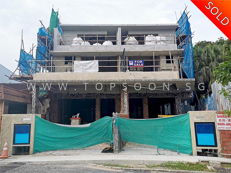 Pic 117 – District 19 Cowdray Avenue SOLD